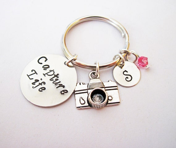 Personalized Camera Keychain, initial keychain, photography keychain, photographer gift, camera jewelry, birthstone necklace, Capture Life