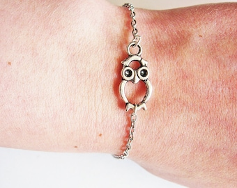 Owl Bracelet, Bracelet Owl, Owl Jewelry, Tiny Owl Bracelet, Silver Owl Bracelet, Owl Charm Bracelet on Silver Plated chain, Owl Accessories