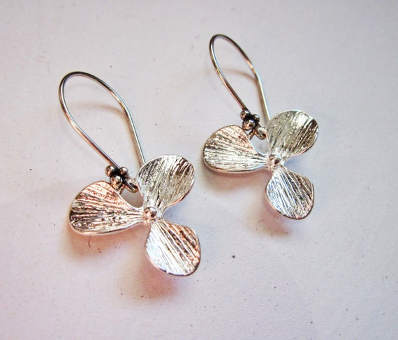 Orchid Earrings, Orchid Flower Earrings, sterling silver earwires, Bridesmaid Earrings, Bridal jewelry, Wedding Gift, single orchid earrings
