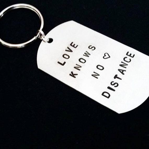 Personalized Keychain Love knows no distance, gift for him, custom keychain wedding keychain boyfriend keychain Handstamped Keychain for man