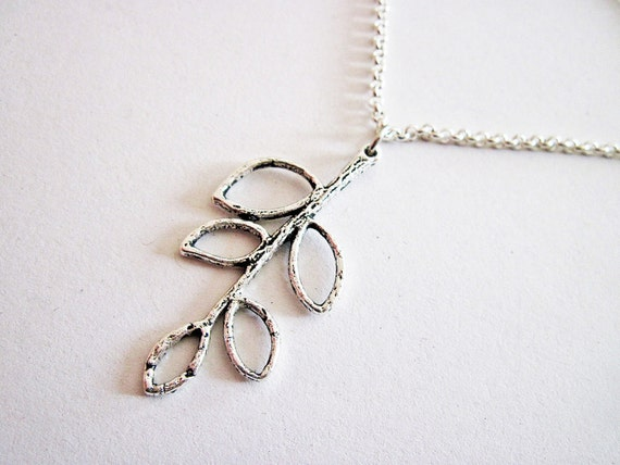 Silver branch necklace, Silver Leaf necklace, Five leaves pendant, simple necklace, everyday jewelry, leafy necklace, short necklace, cute