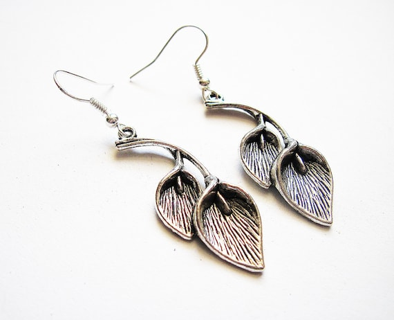 Calla Lily Earrings, Calla Lilly Earrings, Silver Calla Lilly Earrings, Silver Calla Lily Earrings, Flower Jewelry, Floral Jewelry