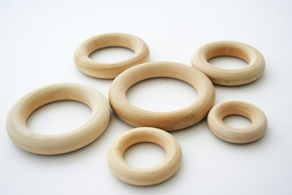 1 Smooth Wood Rings Various Sizes Ring Toss Teethers Silk Streamers Crafts Baby Rings Wooden Toys Kids Craft Napkin Rings