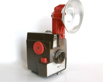 Vintage Camera -- Imperial Debonair with Flash