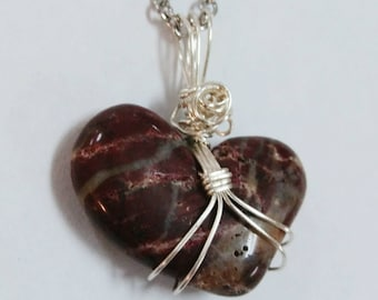 Wire Wrapped Heart Shaped Stone Necklace: Purple Stripes