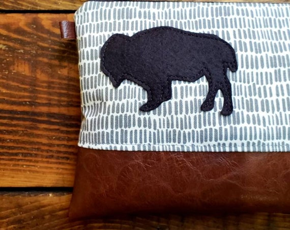 Bison patch clutch/Black felt patch on white & gray sketchbook print front and back/Black zip/Vegan leather details/Yellowstone