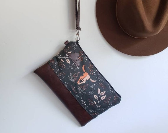 Wrstlet Grab & Go Clutch/Keep it wild print front and back/Black zipper/Montana or Mountain patch