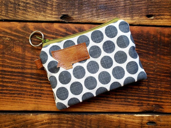 Coin/credit card pouch/White with gray dots print on front and back/Natural canvas liner/Green zipper/Mountain or Montana patch