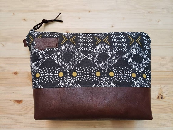 Travel bag/Mud cloth print front and back/Flat bottom/Black zipper/Montana or mountain patch