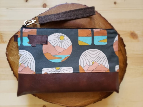 Wrstlet Grab & Go Clutch/Montana soul print front and back/Black zipper/Montana or Mountain patch