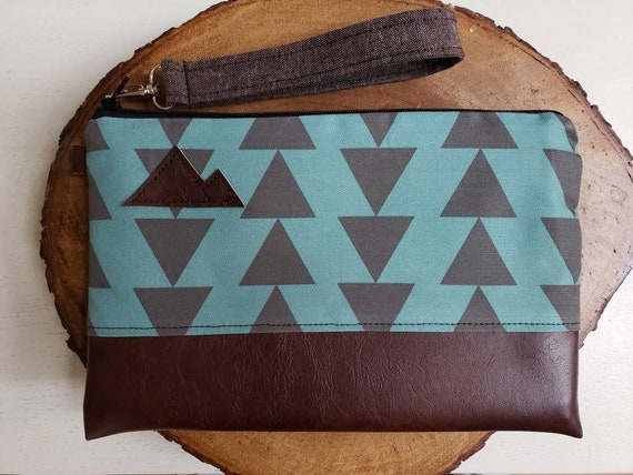 Wrstlet Grab & Go Clutch/Teal and charcoal triangles print front and back/Black zipper/Montana or Mountain patch