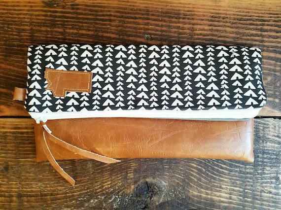 Foldover Clutch l/Village print in black and white/Gray canvas reverse/Caramel vegan leather/White zipper/Montana patch bags
