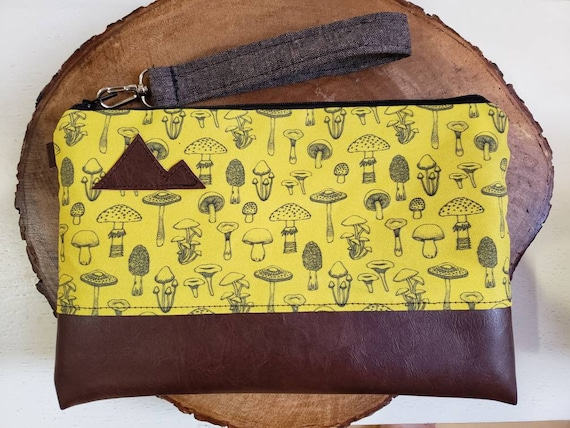 Wrstlet Grab & Go Clutch/Yellow mushroom print front and back/Black zipper/Montana or Mountain patch