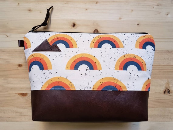 Travel bag/Retro rainbow print front and back/Flat bottom/Black zipper/Montana or mountain patch