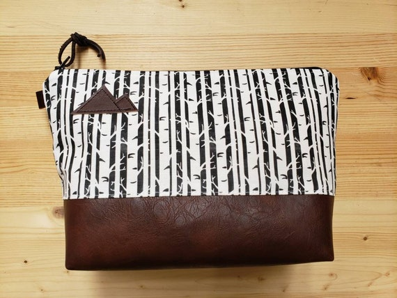 Travel bag/Birch black & white print front and back/Flat bottom/Black zipper/Montana or mountain patch