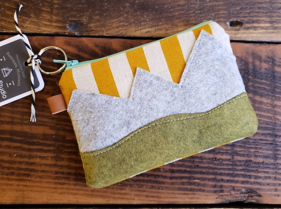 Mountain scene pouch 3 size options/Mustard yellow striped linen print front and back/Natural canvas liner/Teal blue zipper/Wool felt