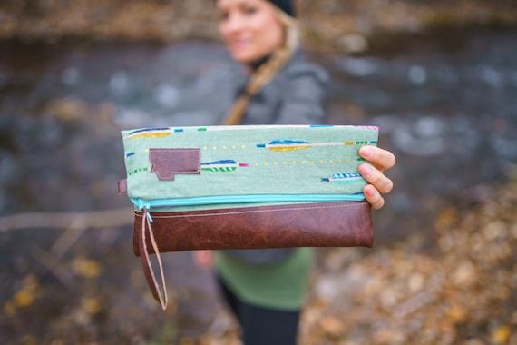 Foldover Montana Clutch/Green arrow print/Dark vegan leather/Teal zipper/Montana patch bags