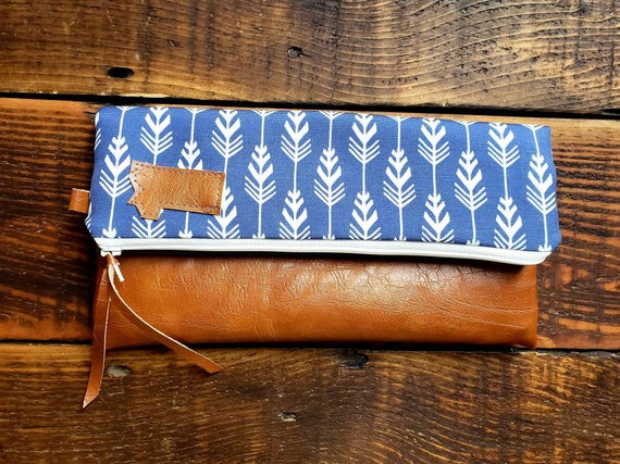 Foldover Clutch/Featthered print in white and navy/Gray canvas reverse/Vegan leather/White zipper/Mountain or Montana patch/Mix and match