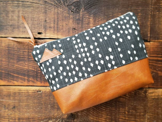 Large canvas Travel bag/Black with white dots print/Montana or Mountain patch/Flat bottom/Vegan leather details/White zipper