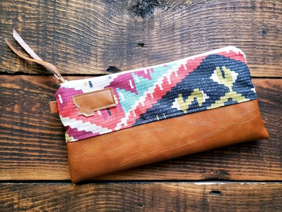 Wally clutch/Multicolor Persian print front and back /White zipper/Vegan leather details/Choose Montana or Mountain patch/ Montana bags