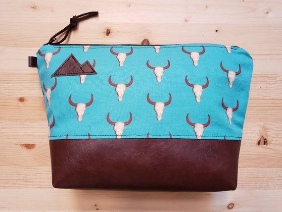 Travel bag/Teal desert print front and back/Flat bottom/Black zipper/Montana or mountain patch