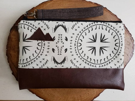 Wrstlet Grab & Go Clutch/Ivory and black bohemian print front and back/Black zipper/Montana or Mountain patch