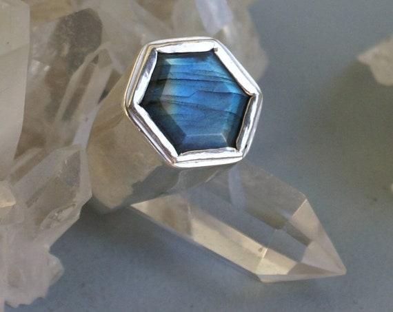 Hollow Hexa ring - Labradorite
