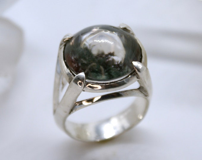 Optical Illusion Lodolite ring - size 8.25