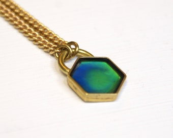 Color-changing Mood Necklace - Hexa-Lock