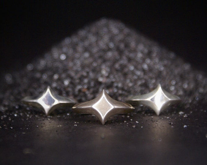 Star Signet ring - sizes 6.5-8.5