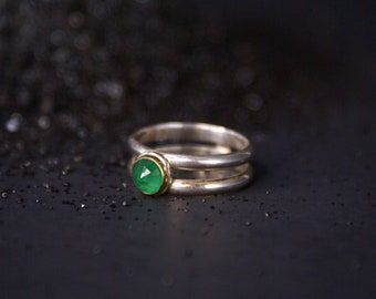 Emerald double band ring - sterling silver with 18k gold, size 7.5