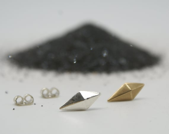 Faceted Kite stud earrings - bronze or silver