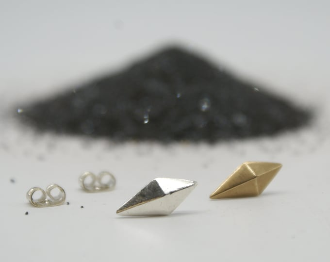 Faceted Kite studs - bronze or silver