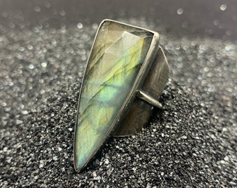 Labradorite Shield Ring - sterling silver, size 8-8.5