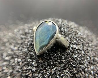Labradorite Profile ring - size 7.5, sterling silver