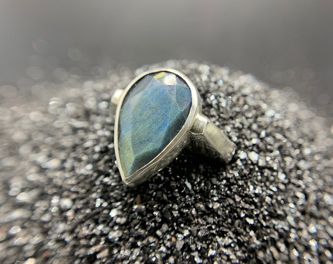 Labradorite Profile ring - size 7.5, sterling silver