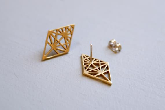 Geometric studs - diamond