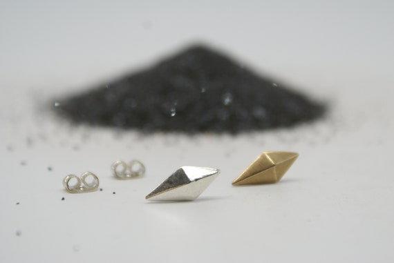Kite stud earrings - bronze or silver