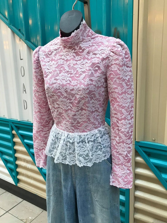 1970s Pink & White Lace High-Neck Blouse