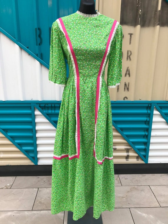 1970s Floral Print Green Prairie Dress