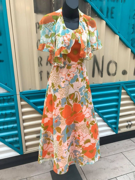 1970s Floral Print Halterneck Dress with Attached