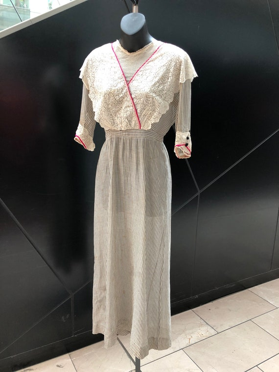 RARE ANTIQUE 1910s Striped Cotton Dress with Lace