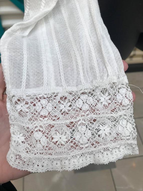 RARE ANTIQUE 1910s White Lace Blouse - image 4