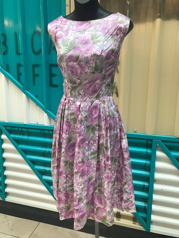 1950s Purple Cabbage Rose Floral Dress