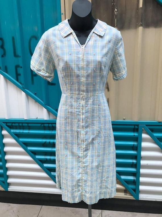 1940s Pastel Plaid Cotton Day Dress - image 2