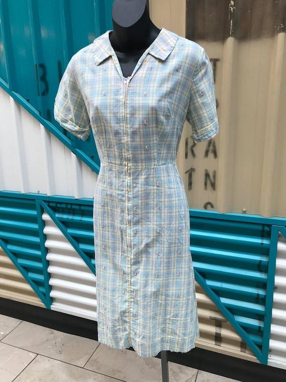 1940s Pastel Plaid Cotton Day Dress - image 3