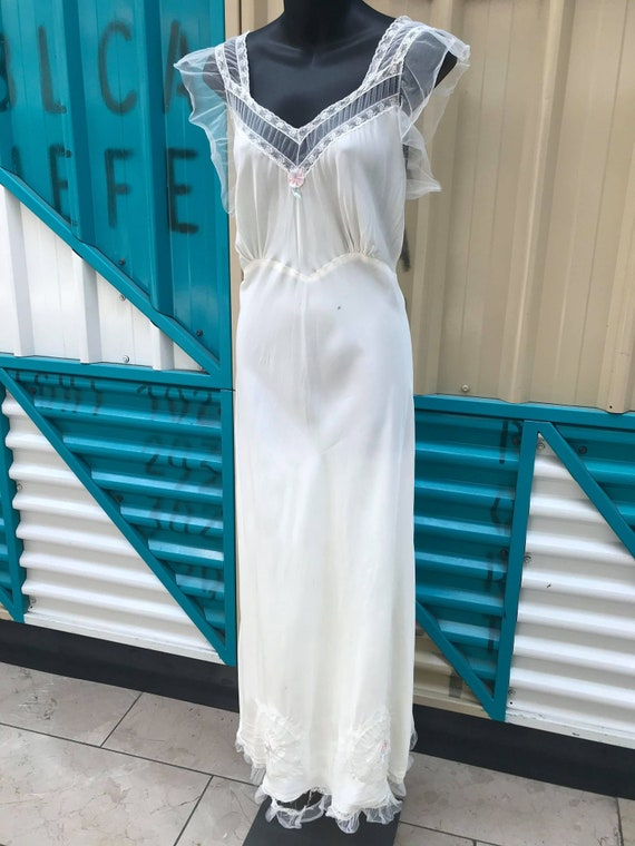 """40s 50s """"Styled By Carillon"""" White Nightgown"""