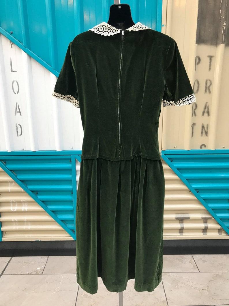 1940s Green Velvet Dress with Lace Trim