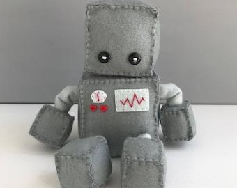 Felt robot softie - grey