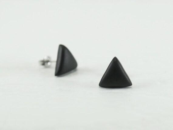 schwarz ohrstecker dreieck dreieck ohrringe ohrstecker mit. Black Bedroom Furniture Sets. Home Design Ideas